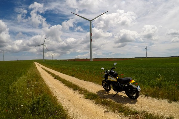 impianti eolici minervino  giro moto puglia